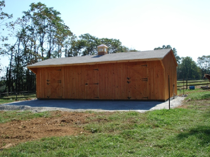 10x32 foot shed row with 8 foot tack room